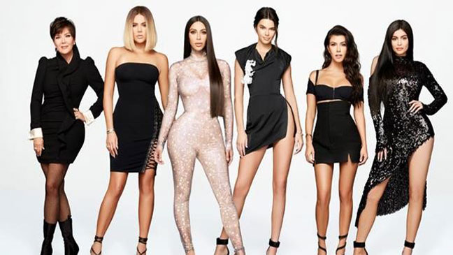 whatever you think about the kardashians theyre undeniably a close family that do almost everything together this christmas will be no different - Kardashians Christmas Photos