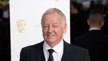 Watch Les Dennis's Home Video Heroes - 123movies.company