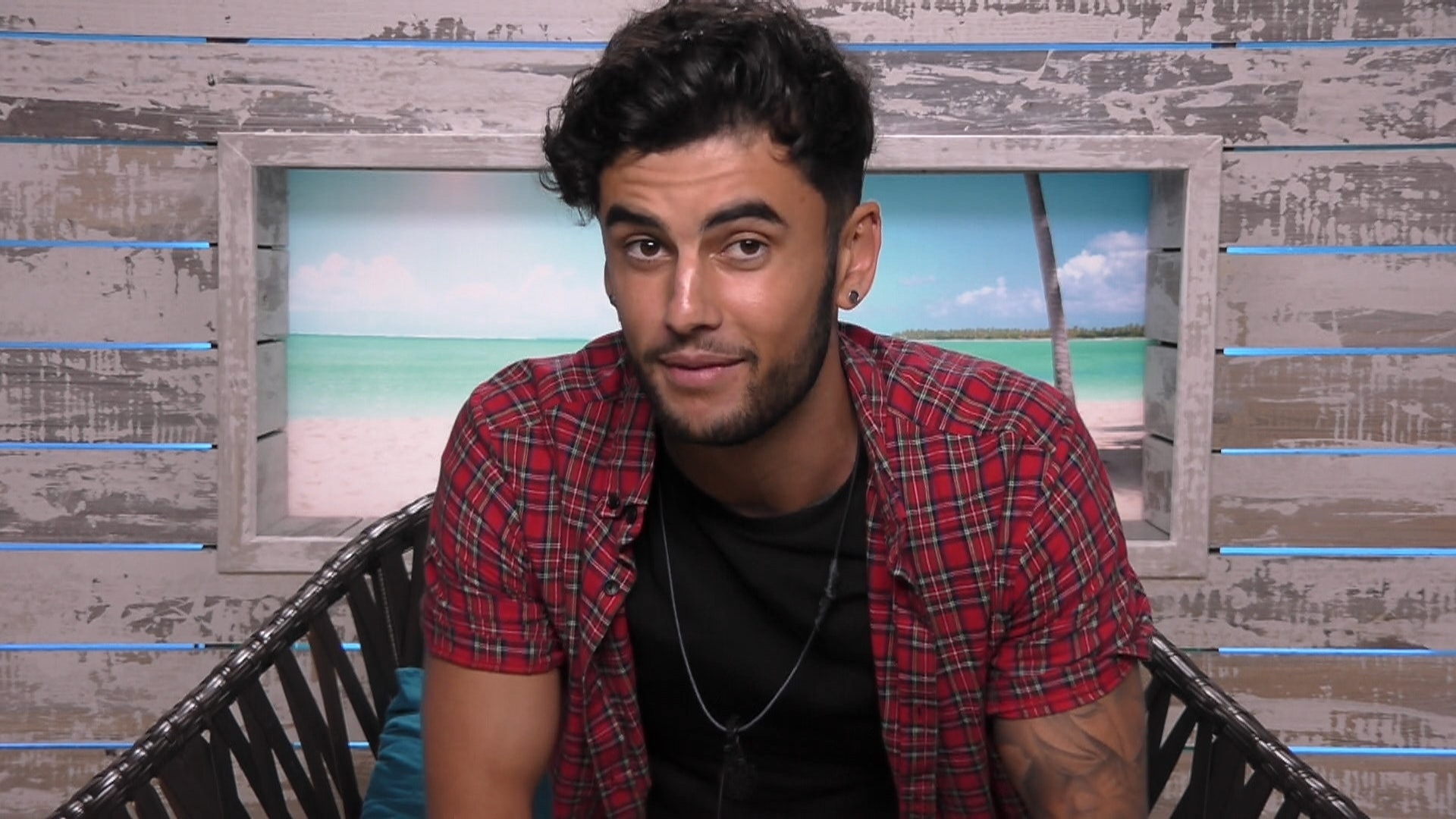Niall Aslam quits Love Island due to 'Personal Reasons'