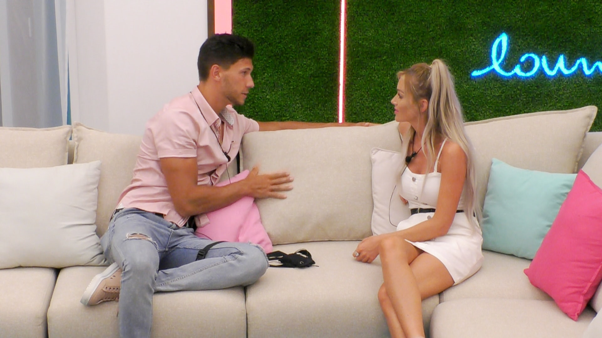 Sam and Georgia 'have QUIT Love Island' shocking their fellow Islanders