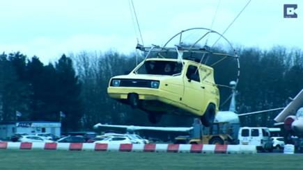 Bobby Frankham from Northamptonshire flying his replica of Del Boy Trotter's Reliant Robin. Photo credit: Caters News