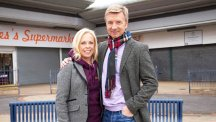 Torvill and Dean return to TV