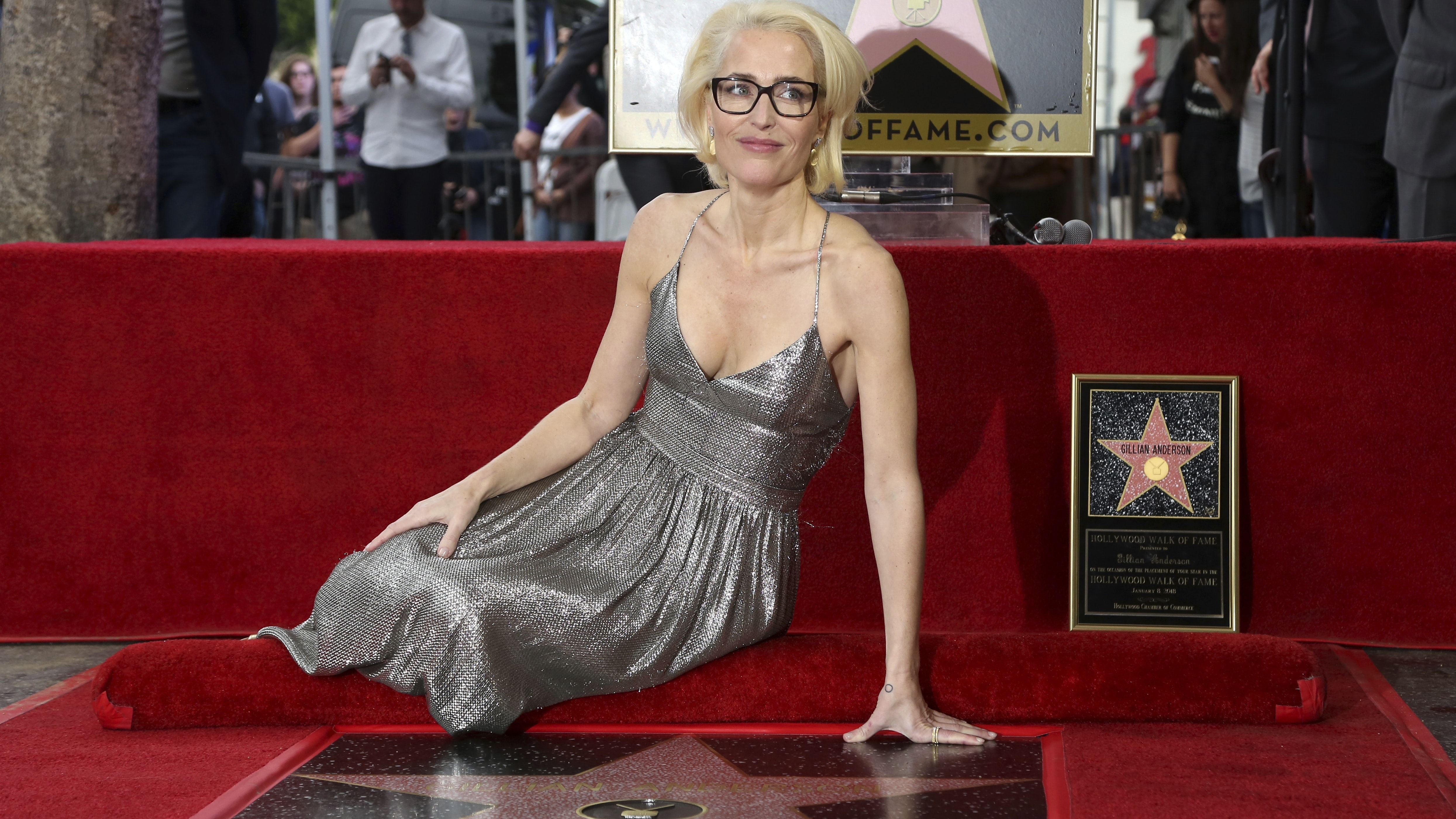X Files Gillian Anderson honoured on Hollywood Walk of Fame