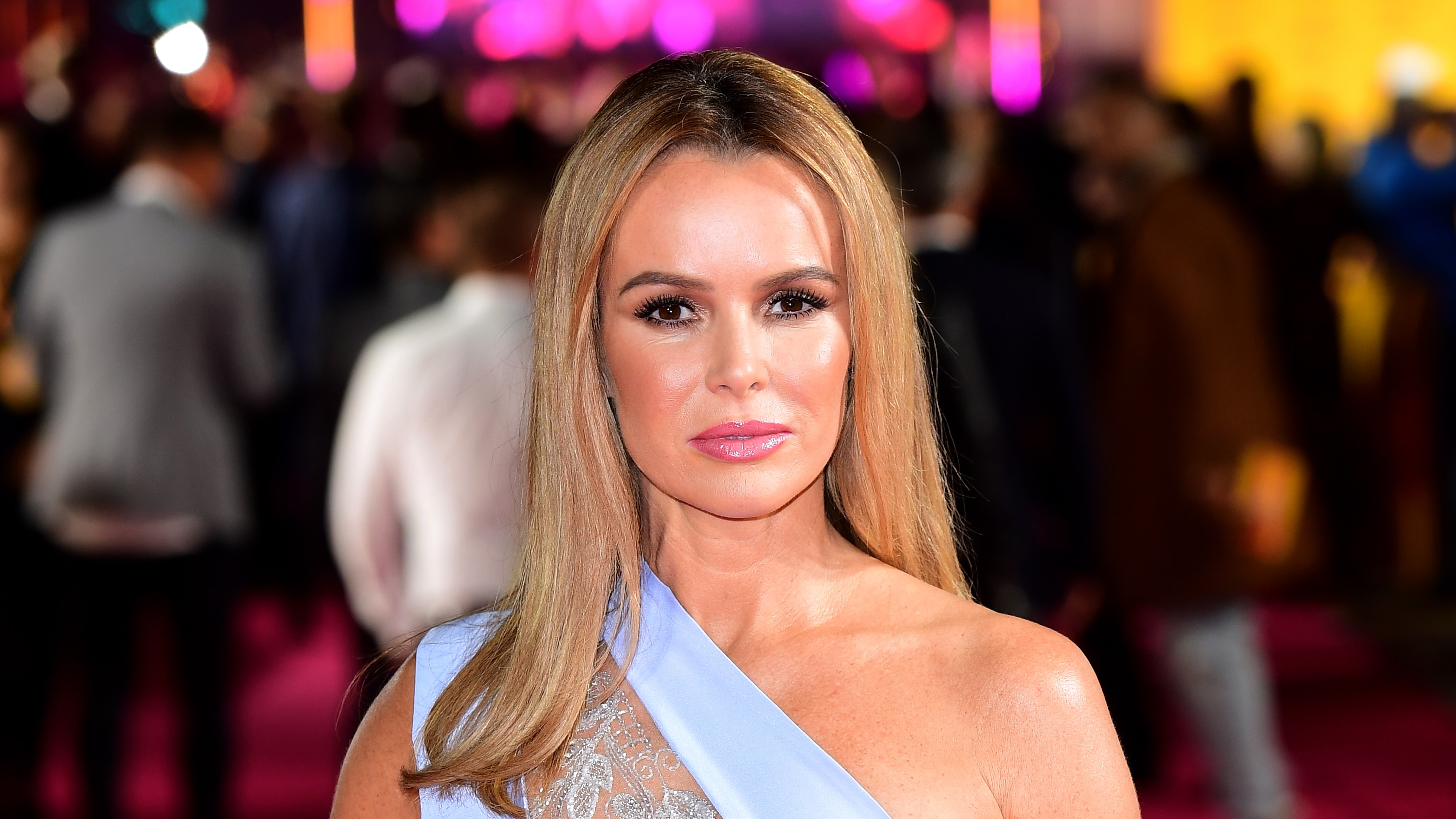 Amanda Holden Sex Video amanda holden leaves 'fake' competition behind in rear of