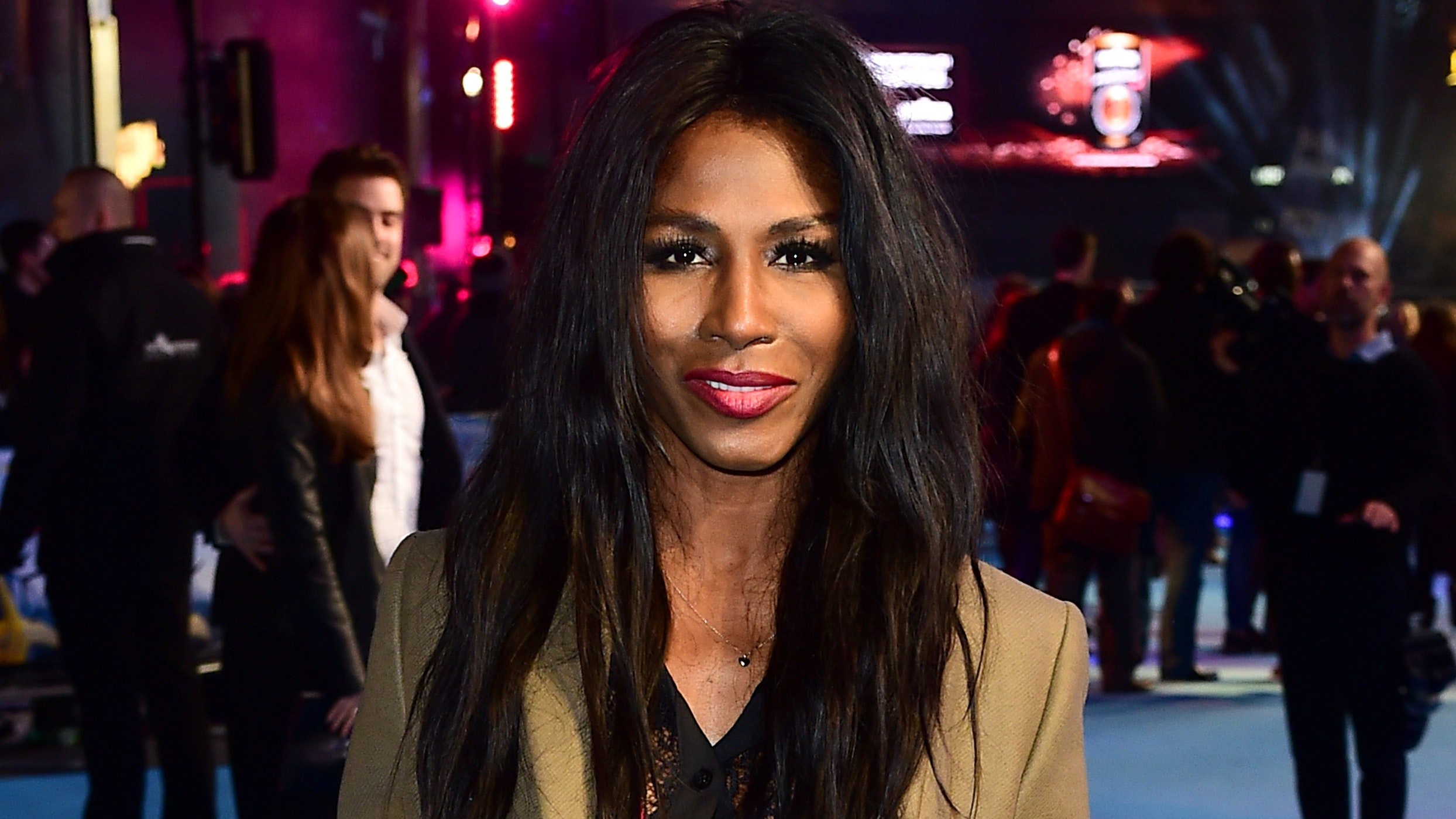 2019 Sinitta nude (71 foto and video), Pussy, Leaked, Instagram, lingerie 2020