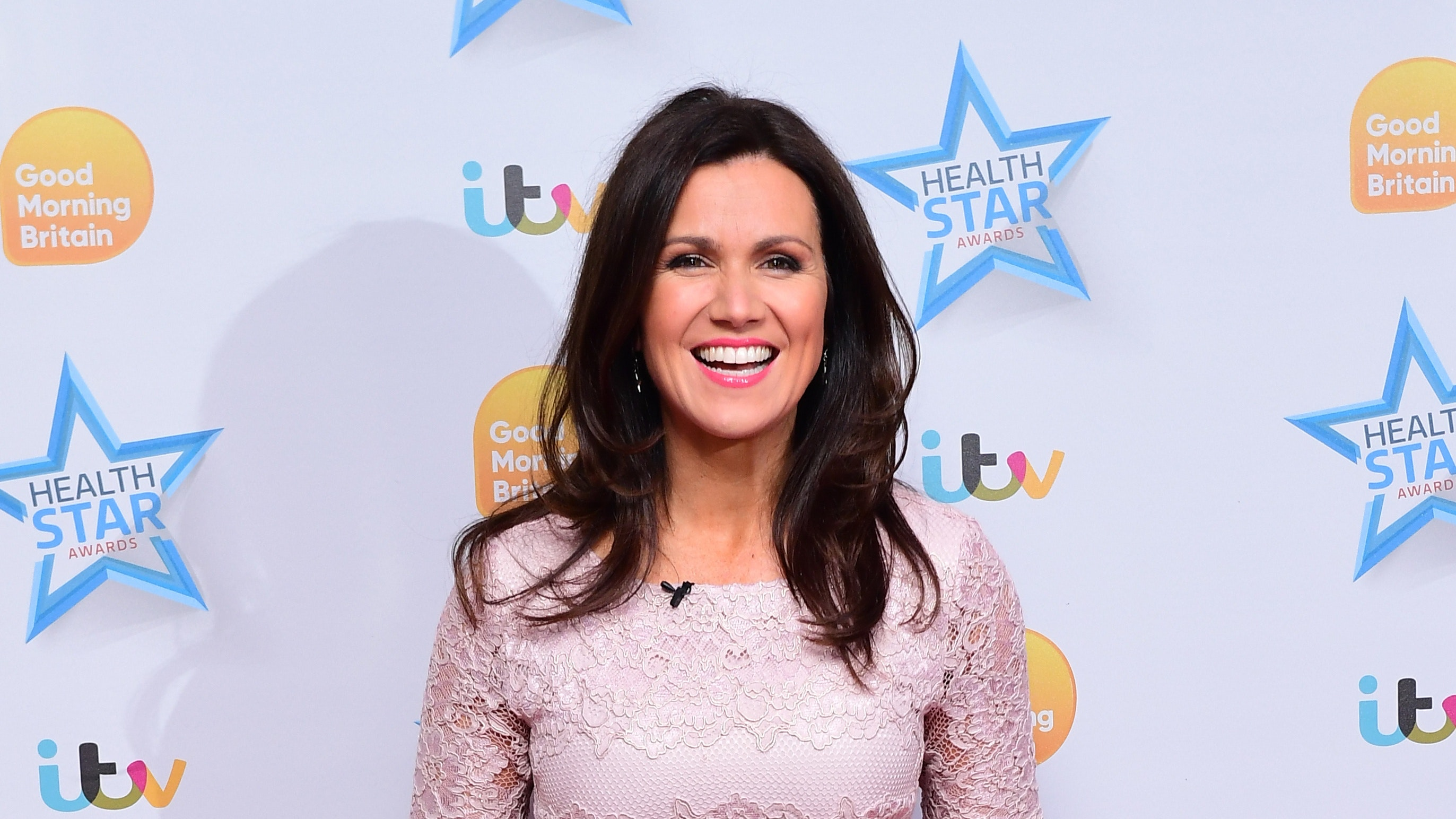 Brave Susanna Reid shares make-up free selfie and without
